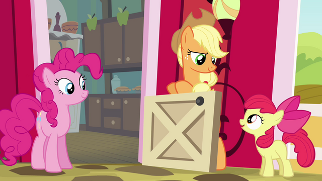 File:Apple Bloom complimenting Applejack S4E09.png