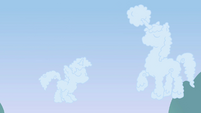 Clouds in the shape of Twilight and Shining Armor S02E25