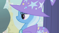 Trixie watching Applejack S1E06