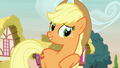 "Applejack ""all kinds of crazy fashion-y things!"" S7E9.png"