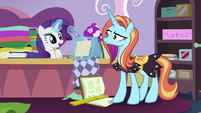 Rarity finishes her sketching S7E6