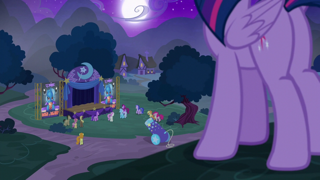 File:Twilight approaches Trixie's stage area S6E6.png