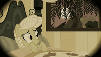 Granny Smith scared in bed S2E12
