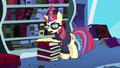 Moon Dancer reads her own message to Twilight S5E12.png