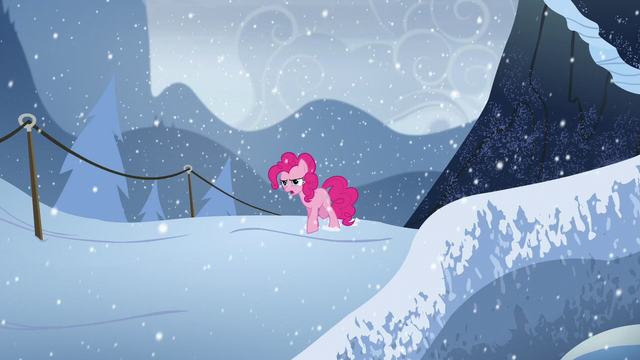 File:Pinkie walks in the snow S5E11.png