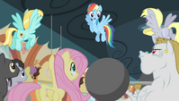 Rainbow Dash encouraging the teams S4E24
