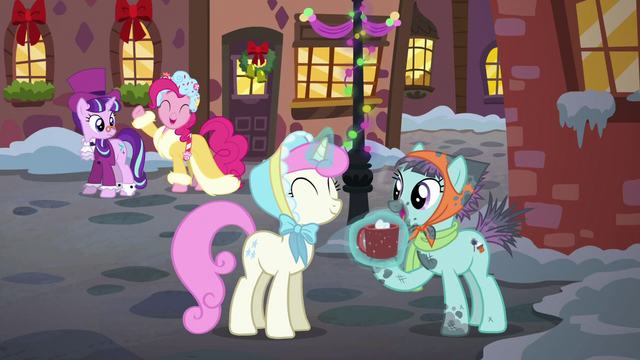 File:Twinkleshine giving Earth mare hot cocoa S6E8.png
