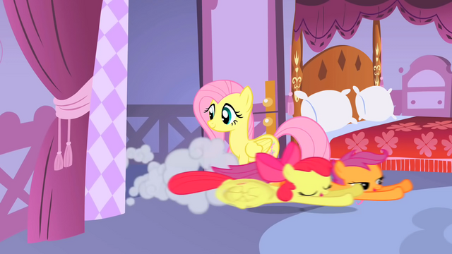 File:Apple Bloom and Scootaloo dashing in S01E17.png
