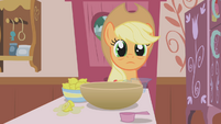 Applejack waiting for more instructions S1E04