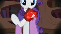 Flashback Spike places ruby in Rarity's hand S2E10