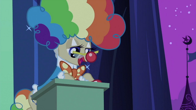 File:Mayor at the lectern S2E04.png