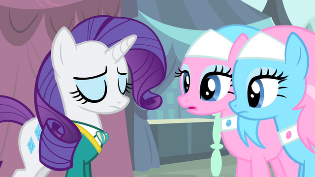 File:Rarity shakes her head S4E14.png