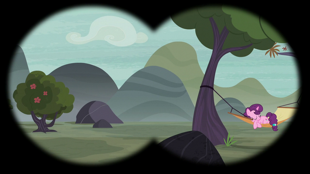File:Sugar Belle and valley in Scootaloo's binocular vision S7E8.png