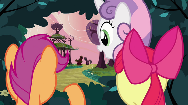 File:CMC watching from the bush 2 S2E17.png