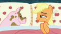 Applejack in bed with a pig S6E15.png