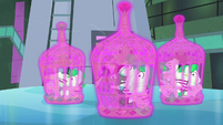 Henchponies in Rarity's cages S4E06