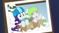 Photo of Rarity and Sweetie Belle sledding S7E6