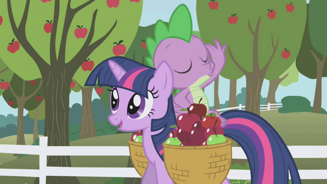 File:Spike tossing an apple S01E03.png
