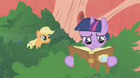 Twilight still at books S1E8