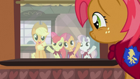 CMC waving Babs goodbye S3E04