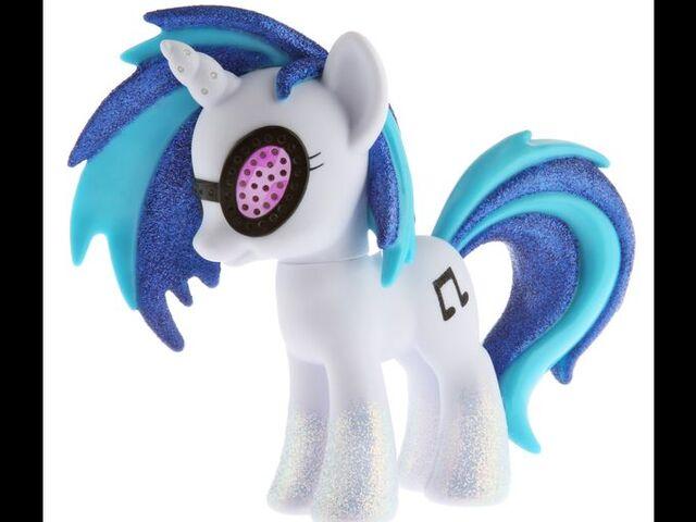 File:Hasbro DJ Pon-3 Comic-Con.jpg