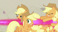 Shooting changeling Applejack S2E26
