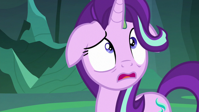 File:Thorax looking up at trapped Trixie S6E26.png
