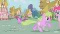 Berryshine and Daisy running S1E04.png