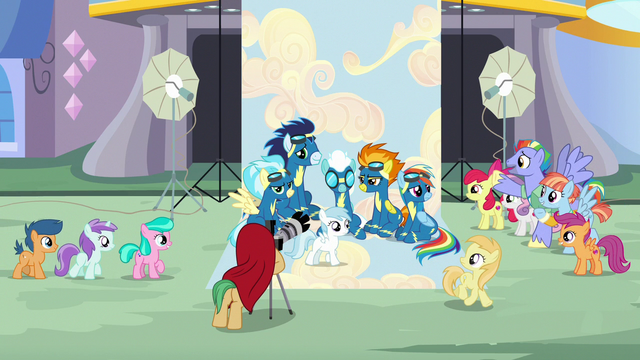 File:Rainbow's parents and CMCs appear at the photo shoot S7E7.png
