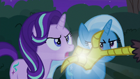 Discord snaps his fingers in Starlight's face S6E25