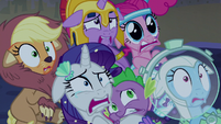 Twilight and friends in overwhelming fear S5E21