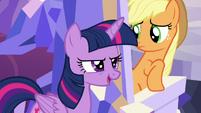 Twilight passes behind Applejack's throne S5E22