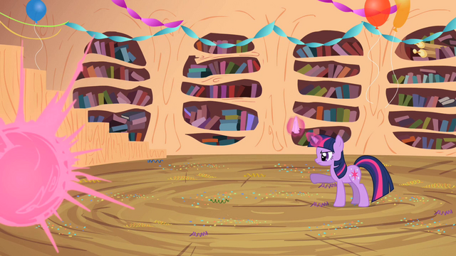 File:Twilight teleports Spike using her magic S2E10.png