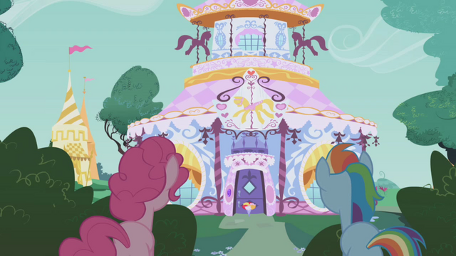File:Here comes Rarity S1E5.png