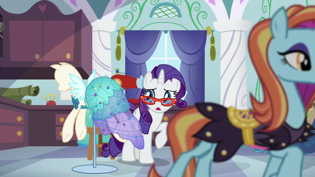 File:Sassy crosses in front of Rarity S5E14.png