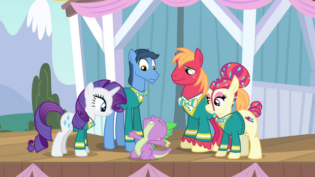 File:Spike complimenting Rarity S4E14.png