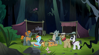 Rainbow and Quibble surrounded in a jungle S6E13