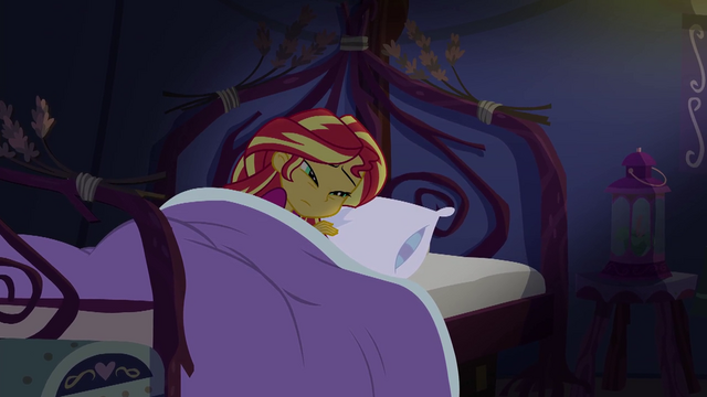 File:Sunset Shimmer stirred from her sleep EG4.png