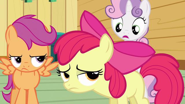 File:Sweetie Belle tell Applejack S3E4.png