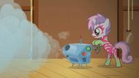 Sweetie Belle turning on fog machine S1E18