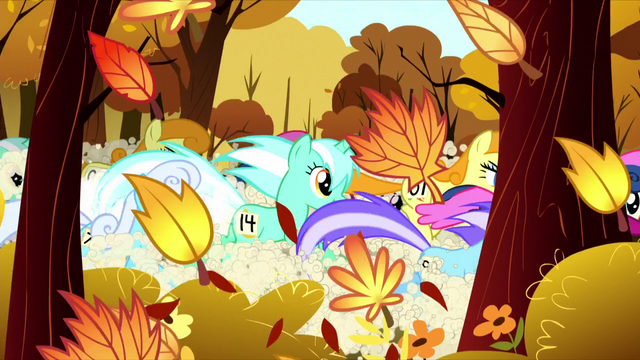 File:More ponies in the Running of the Leaves S05E05.png