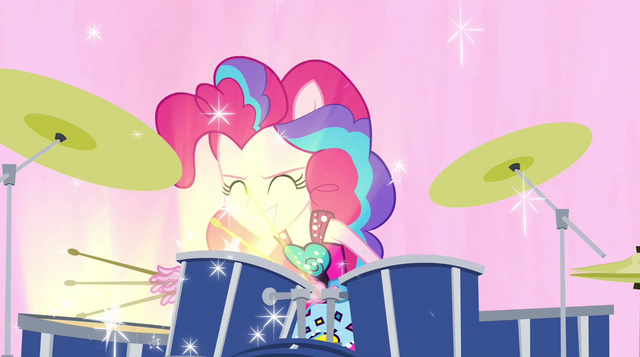 File:Pinkie drumming in Welcome to the Show EG2.png