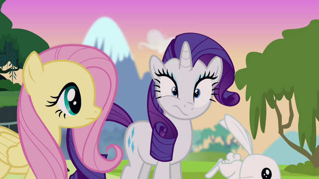 File:Rarity about to sneeze S4E03.png