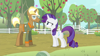 Rarity 'Why are you staring at her like that' S4E13