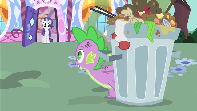 File:Spike looks at Rarity S1E25.png
