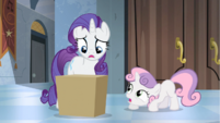 Sweetie Belle giving box back to Rarity S4E19