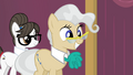 Mayor smiling S4E14.png