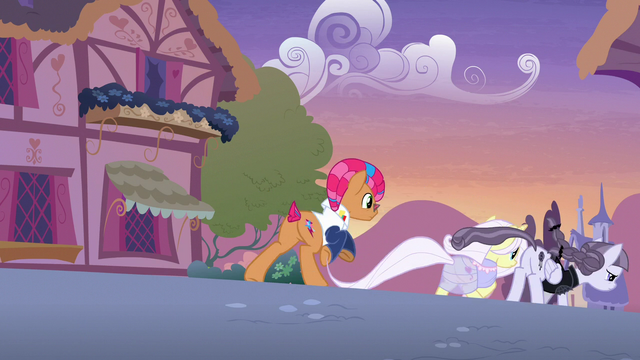 File:Starstreak, Lily, and Inky run away from Applejack S7E9.png
