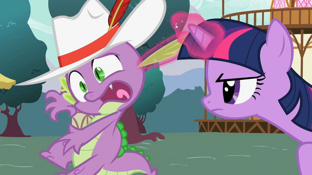 File:Twilight catching Spike S02E10.png