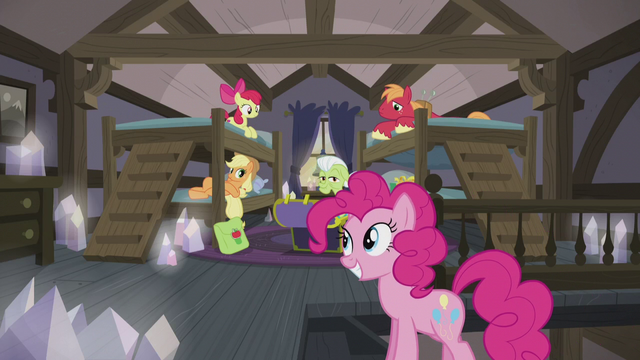 File:Pinkie calls the Apples to dinner S5E20.png
